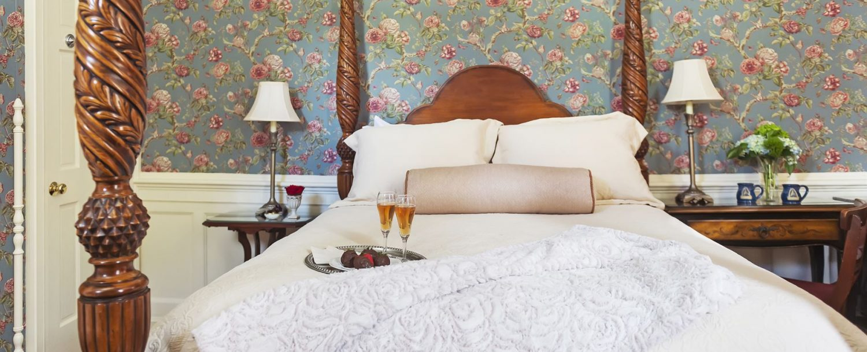 Benson Room Bed