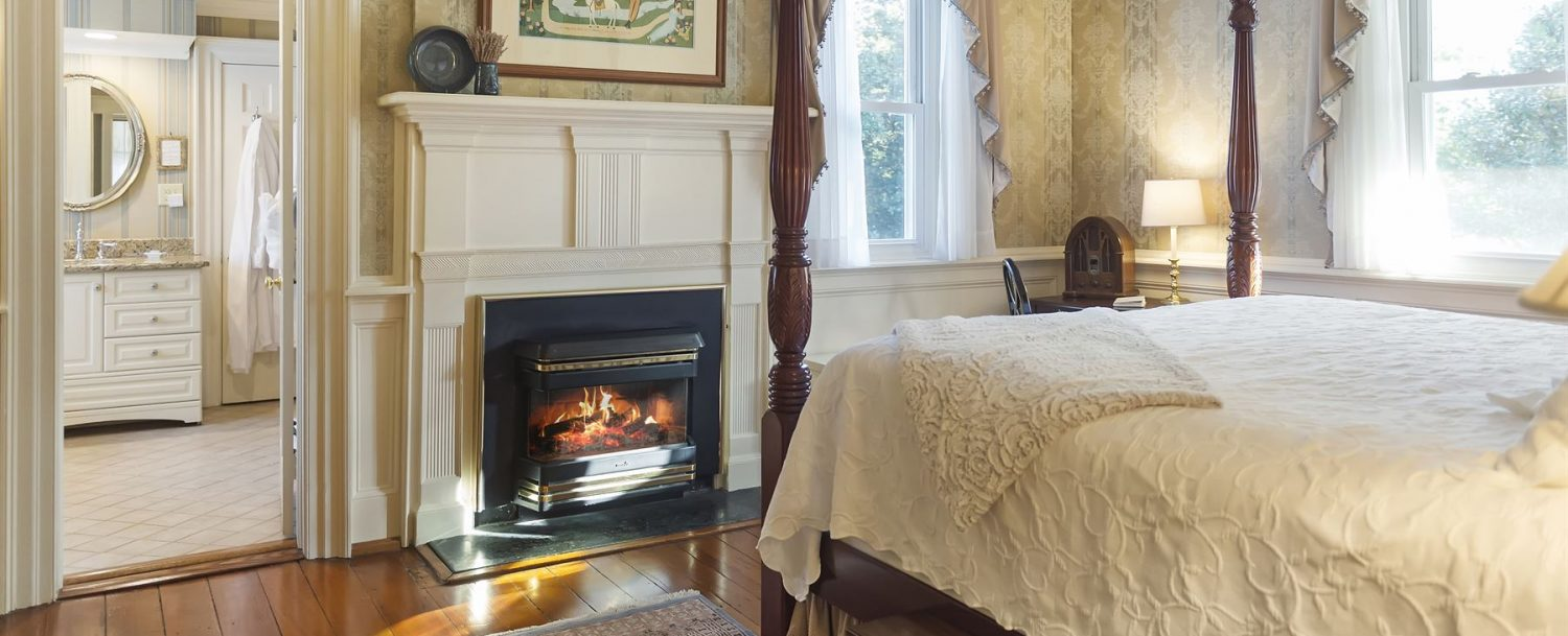 Lipscomb Room Bed to Fireplace