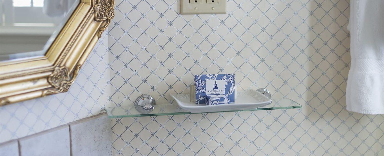 Montclair Room Bathroom